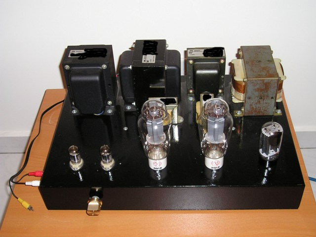 WH's 300B tube amplifier